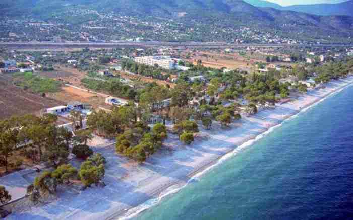 Βραχάτι: Το κοσμοπολίτικο μέρος της βόρειας Πελοποννήσου που θα σε κάνει… αγά