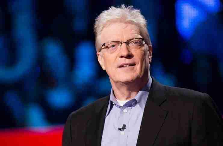 """Κεν Ρόμπινσον: """"Το σχολείο που σκοτώνει τη δημιουργικότητα και εκπαιδεύει από τη μέση και… πάνω"""""""