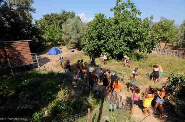 """Τελέθριον: Το πρώτο οικολογικό """"χωριό"""" αυτάρκειας και βιωσιμότητας στην Ελλάδα βρίσκεται στην Εύβοια"""