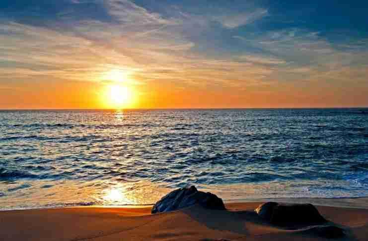 Η θάλασσα ξέρει να μετατρέπει τον πόνο σου, σε ηρεμία και γαλήνη