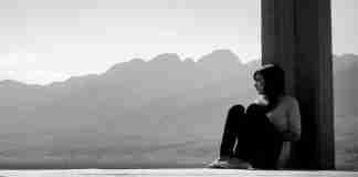 Οι ψυχολόγοι εξηγούν: Αν νιώθεις έτσι σήμερα, τότε σίγουρα κάτι πήγε λάθος όταν ήσουν παιδί