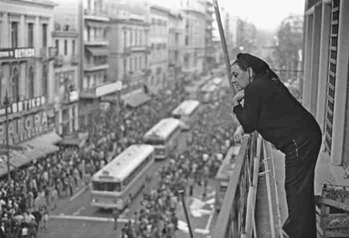 Πόσο λυπάμαι τα χρόνια.. Το ωραιότερο βαλς στην Ελλάδα γράφτηκε πριν από 80 ολόκληρα χρόνια