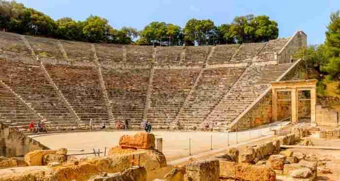 Κι όμως, η Επίδαυρος ήταν άντρας: Η άγνωστη ιστορία του πιο μαγευτικού σημείου της Ελλάδας