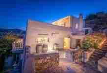 Το πιο κομψό σπίτι της Πάρου διαθέτει γοητεία, ενέργεια και απίστευτη θέα