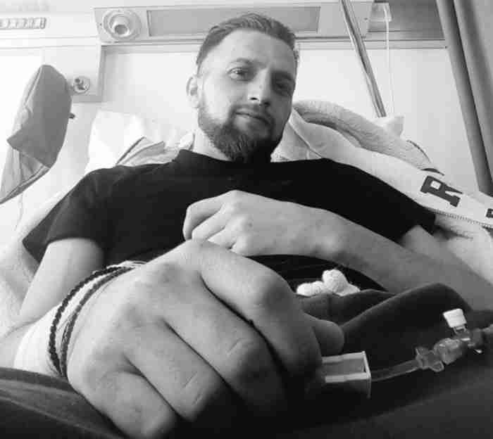 O Mιχάλης που είπε «γεια χαρά νταν» στον καρκίνο παραδίδει μαθήματα αισιοδοξίας και αγάπης