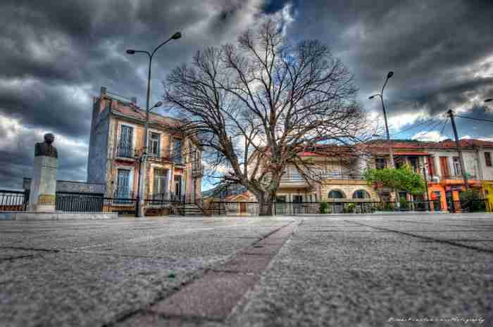Το «Μπαλκόνι» του Αιγαίου: Έρωτας με την πρώτη βουτιά δυο ωρίτσες από την Αθήνα