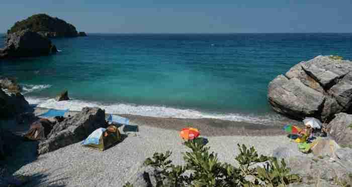 Οι 18 παραλίες που αποδεικνύουν ότι η Εύβοια είναι ένας επίγειος παράδεισος δίπλα στην Αθήνα
