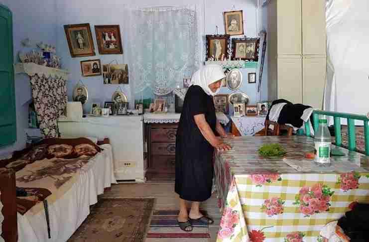 Το σπίτι της γιαγιάς ήταν κι είναι πάντα ο παράδεισός μας
