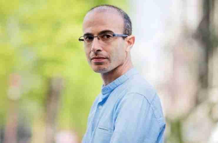 Ο διάσημος ιστορικός Γουβάλ Νώε Χαράρι προειδοποιεί: Έρχεται μια ψηφιακή δικτατορία