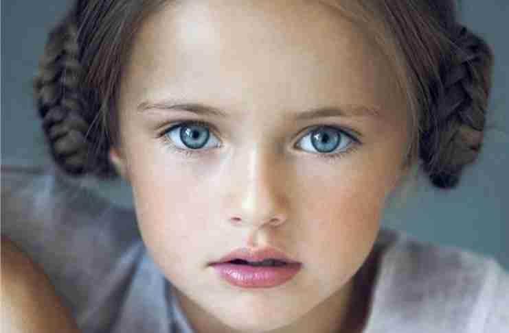 Μεγαλώνοντας ένα παιδί με υψηλή αυτοεκτίμηση. Τα πρέπει και οι φράσεις που πληγώνουν