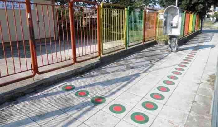 Ο απίστευτα έξυπνος τρόπος που βρήκε η Καρδίτσα για να πηγαίνουν με ασφάλεια τα παιδιά στο σχολείο