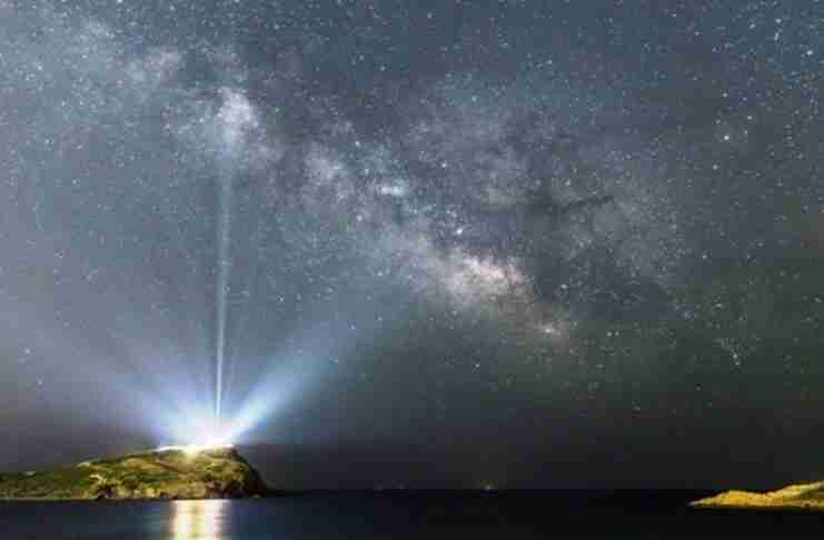 Ο ναός του Σουνίου «φωτίζει» το γαλαξία - Η φωτογραφία της NASA που έκανε το γύρο του κόσμου