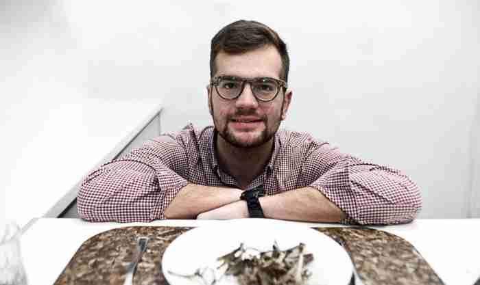 Ο ευρηματικός Ελληνας που κάνει μπίζνες από.. φύκια και πευκοβελόνες
