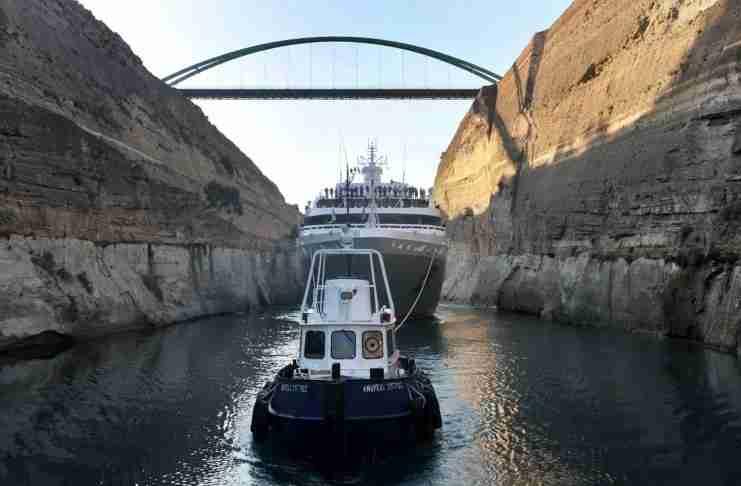 Η εντυπωσιακή μηχανική του Ισθμού της Κορίνθου. Πως λειτουργούν οι βυθιζόμενες γέφυρες