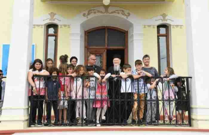 Η Ιμβρος ξαναζωντανεύει: «Κάποτε μας κορόιδευαν ότι με 3 παιδιά πώς θα ανοίξετε σχολείο; Τώρα έχουμε 47»