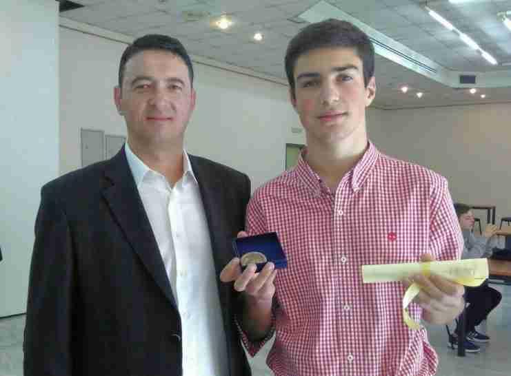 18χρονος «Αϊνστάιν» από τα Τρίκαλα σαρώνει τα βραβεία μαθηματικών παγκοσμίως