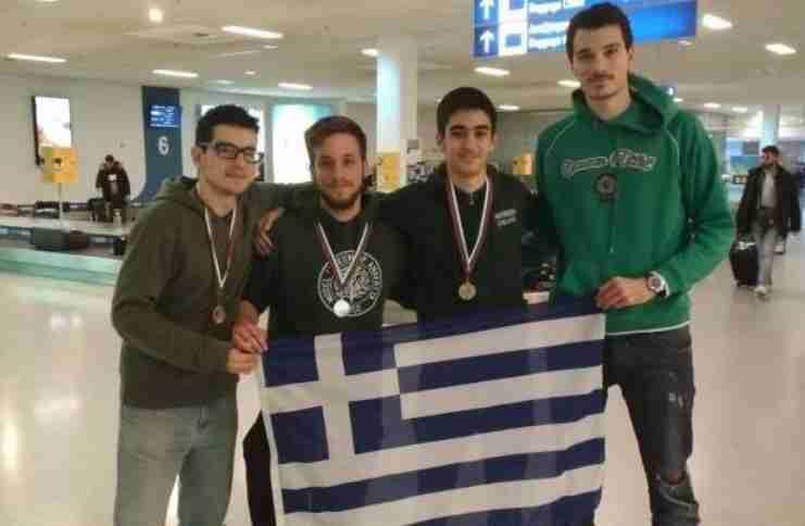 Έλληνες φοιτητές σάρωσαν τα βραβεία και τα μετάλλια σε διεθνή διαγωνισμό μαθηματικών