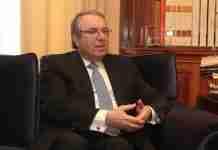 Γ. Μπαμπινιώτης: Τα Ελληνόπουλα φτάνουν στο Γυμνάσιο ανορθόγραφα και με δυσκολίες στην ανάγνωση