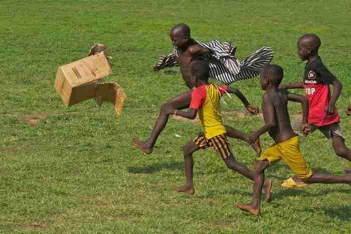 30 υπέροχες φωτογραφίες από παιχνίδι παιδιών σε όλο τον κόσμο