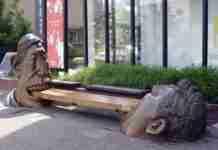 Παράξενα αγάλματα
